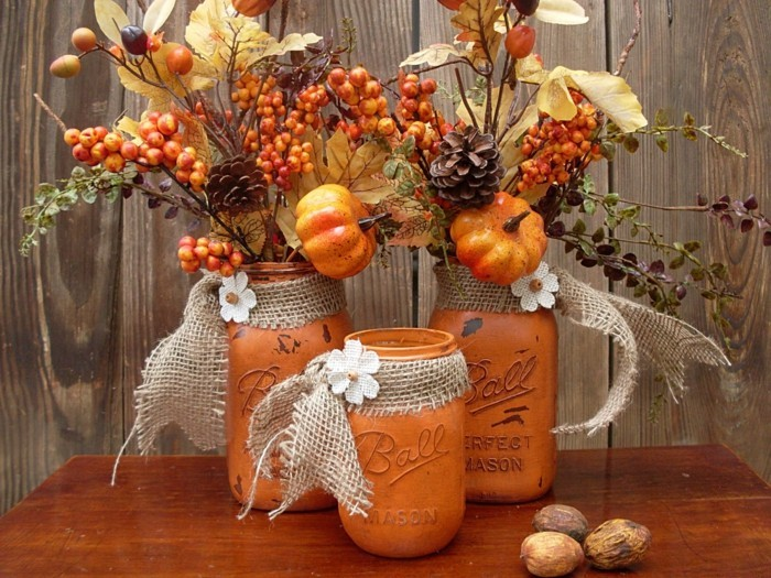 table decoration for the autumn dry flowers and fruits