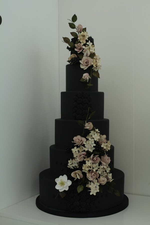 dark wedding cakes with gray arguments