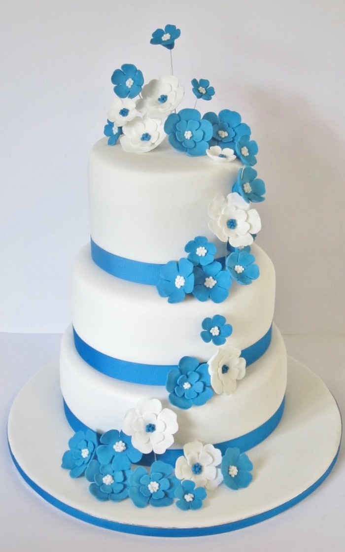 Decorate pies with flowers from fondant ideas for the wedding cake