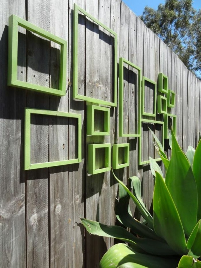Garden decor itself make old picture frames for the fence