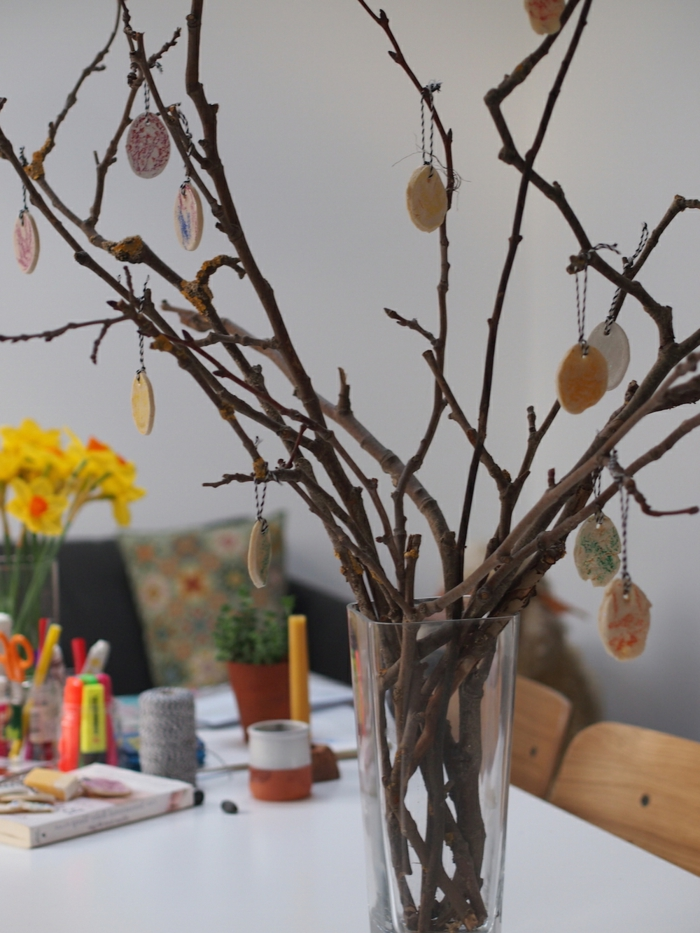 deco ideas easter branch easter eggs tree festive table decoration