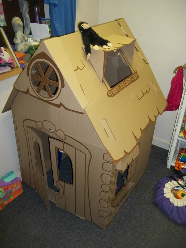 Playhouse cardboard Spielhua from cardboard