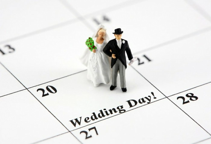 Determine the day for wedding