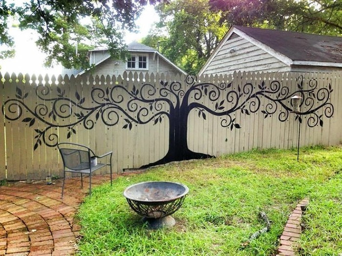 decorating ideas for the garden fence