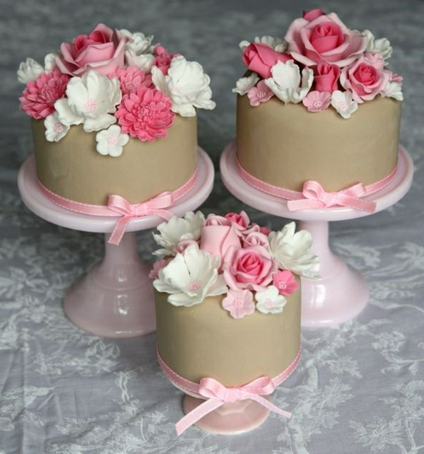 beautiful mini cake flowers decorate