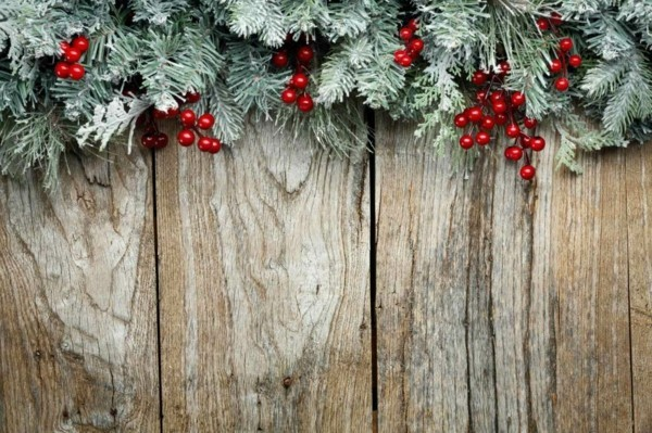 Rustic wall with elongated dIY Christmas decoration