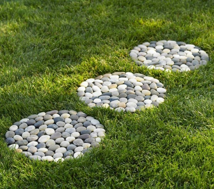 Stones shaped like circles