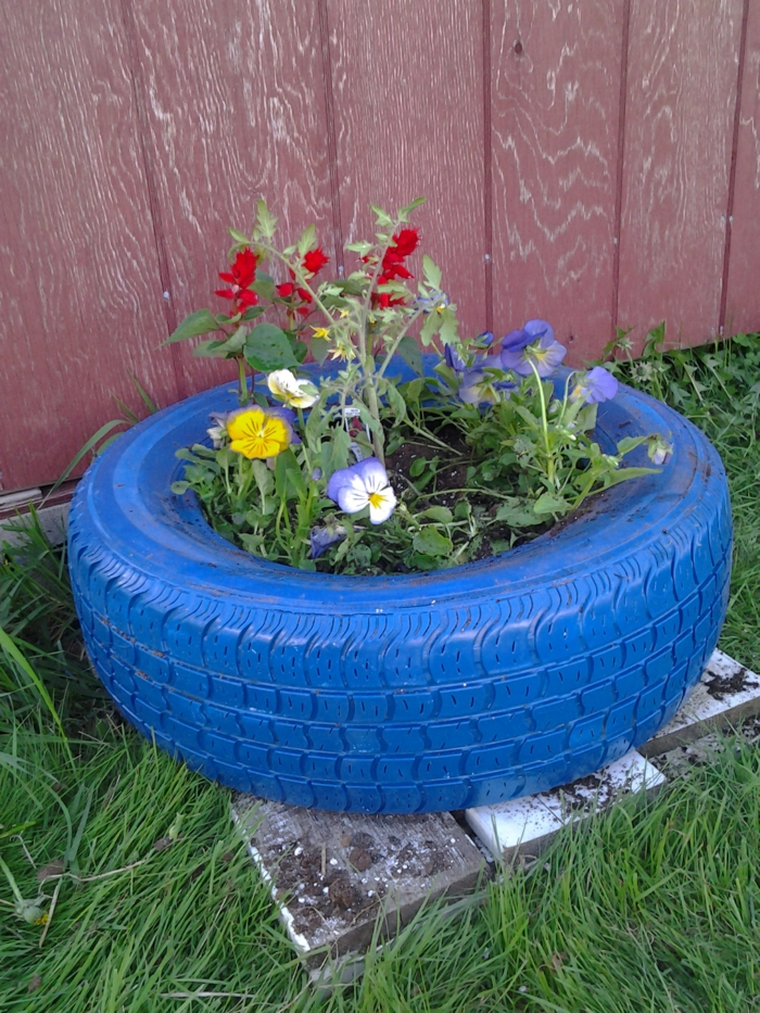 garden tips diy planter old car tires blue