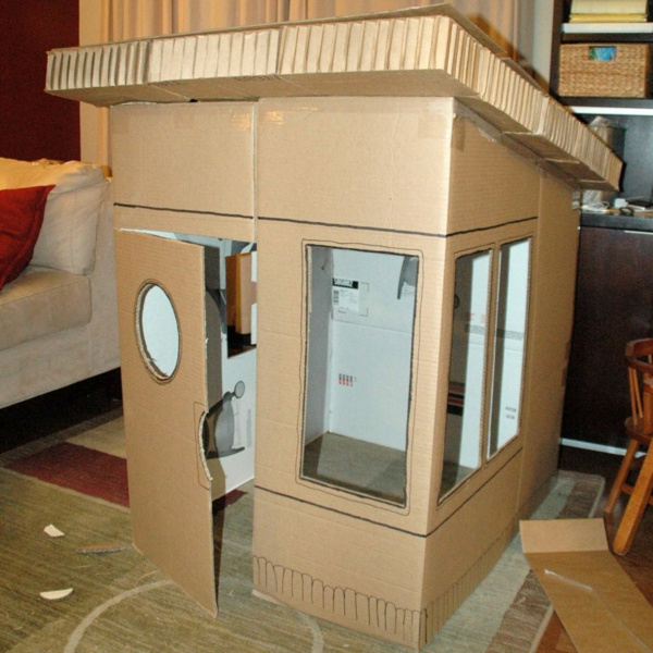 Playhouse made of cardboard paporfaus ikea