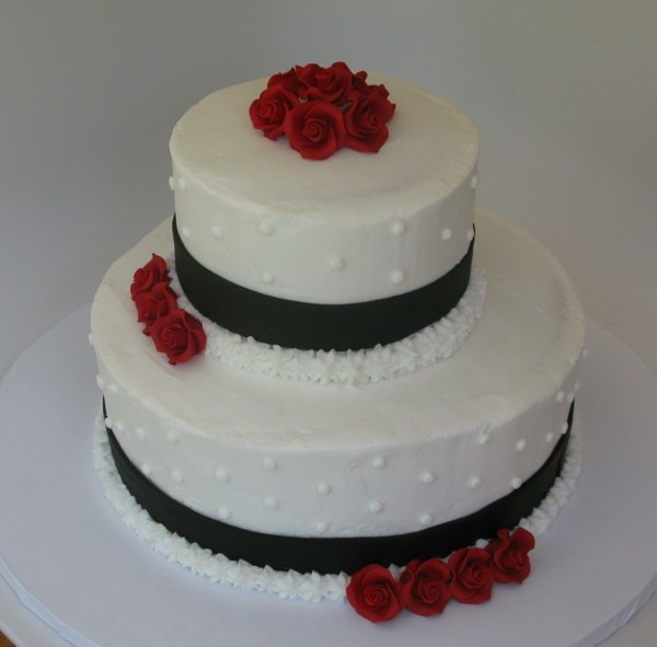 red and black wedding cakes