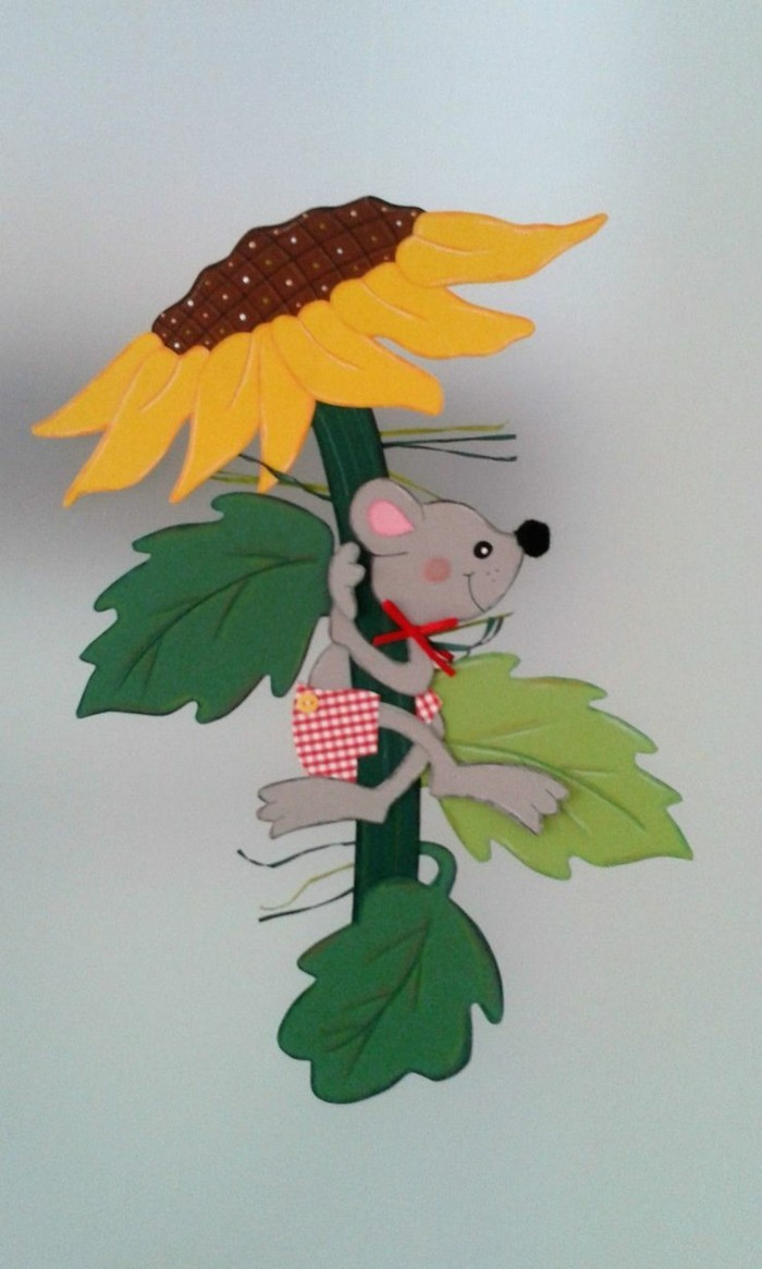Making window pictures with kids mouse at the sunflower