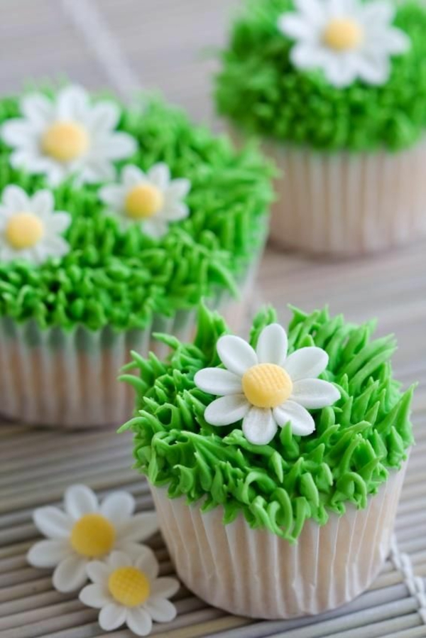 spring flowers pictures small tartlets baking decorative sugar flowers