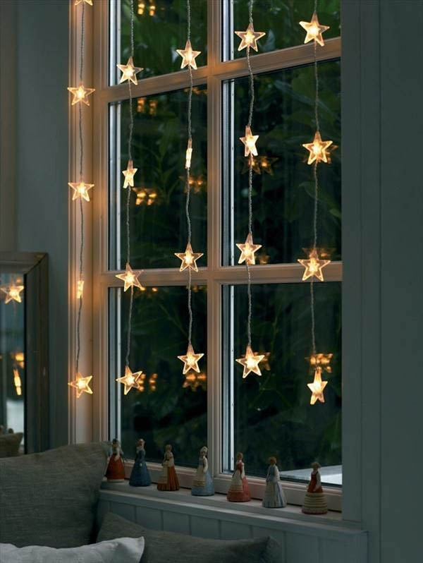 window decoration in advent lights