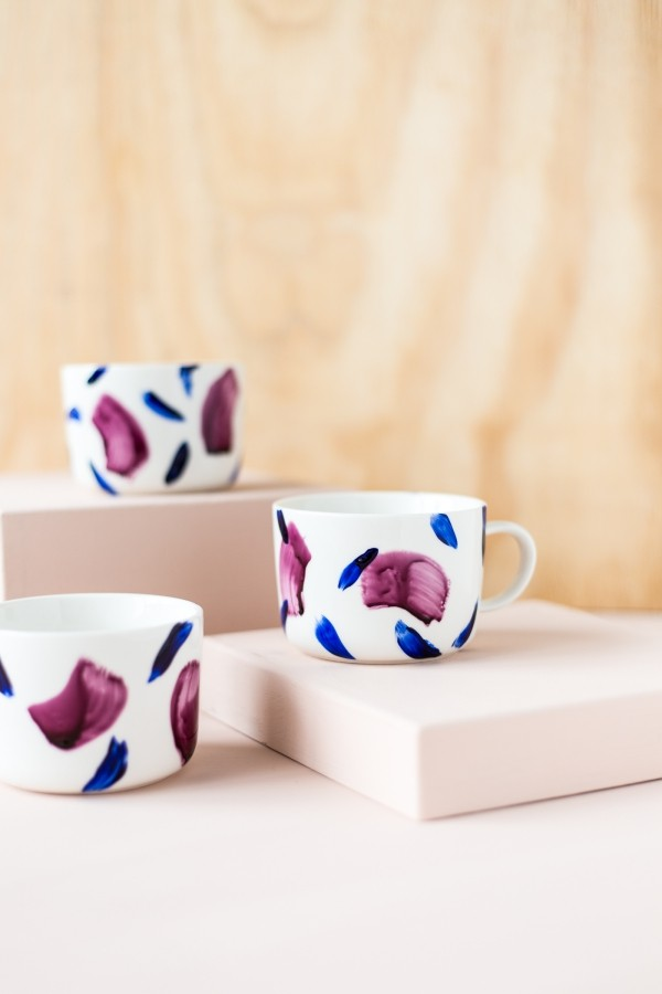 Cups paint three beautiful pieces