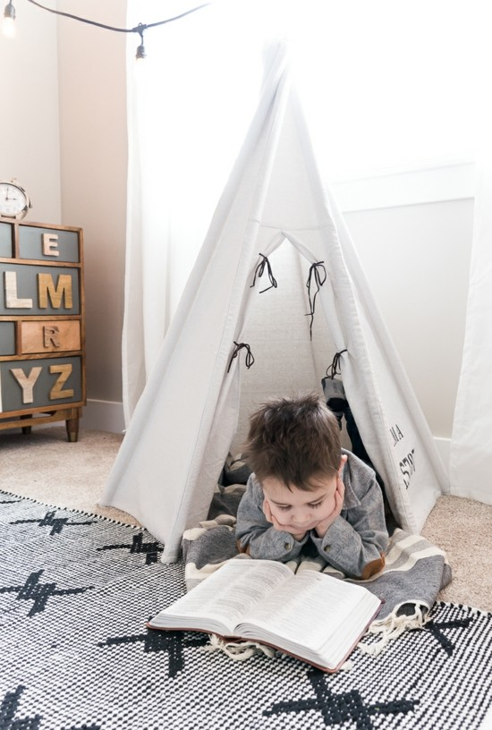Set up a children's room with tipi tent yourself