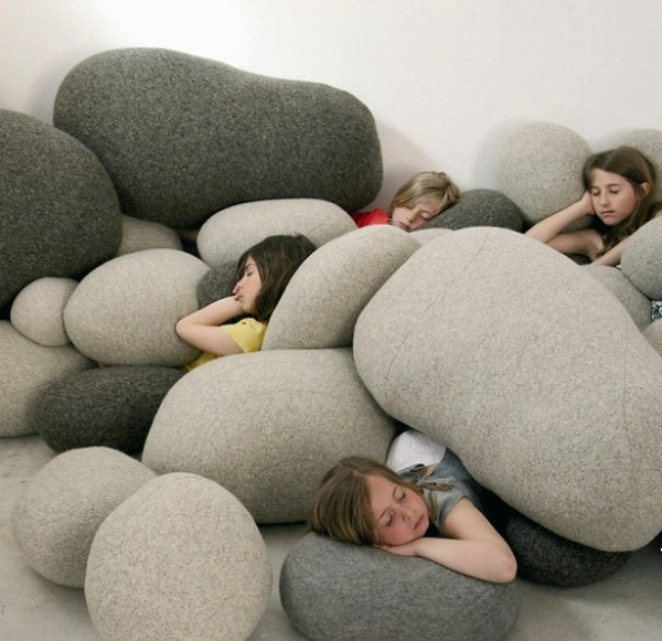 Creative-Pillow-and-pillow-stone-gray