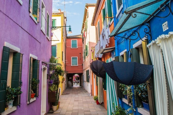 colorful coloring Venice fascinates numerous guests