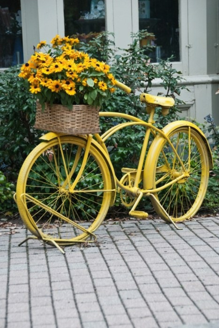 creative gardening ideas for little gardens yellow bicycle