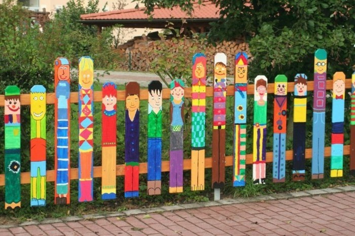 unusual garden decorations themselves make creative ideas for the garden fence