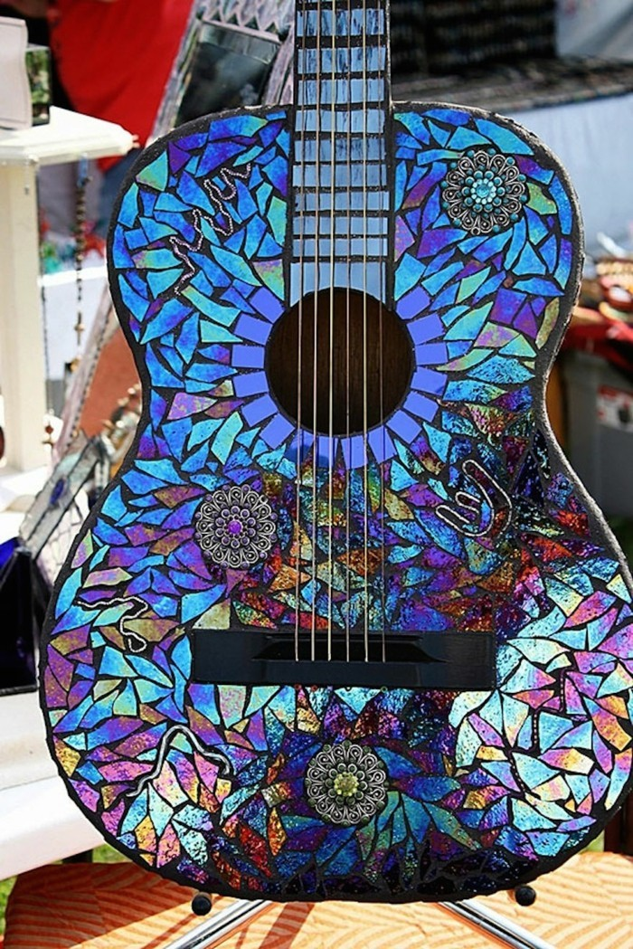 recycling craft with cds upcycling ideas deco ideas guitar