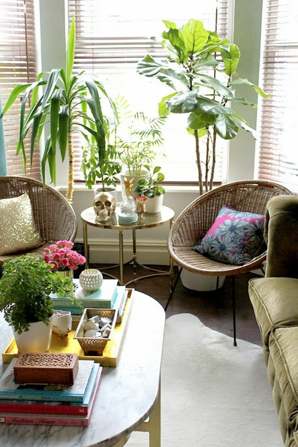 Living room decorate with green plants