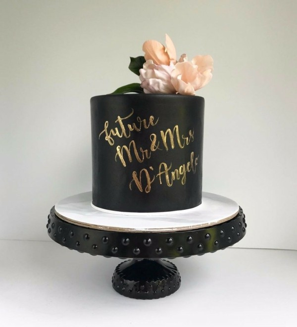 golden inscriptions wedding cakes
