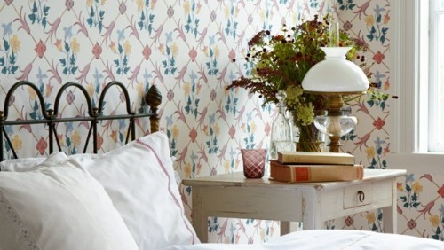 patterned wallpaper english style