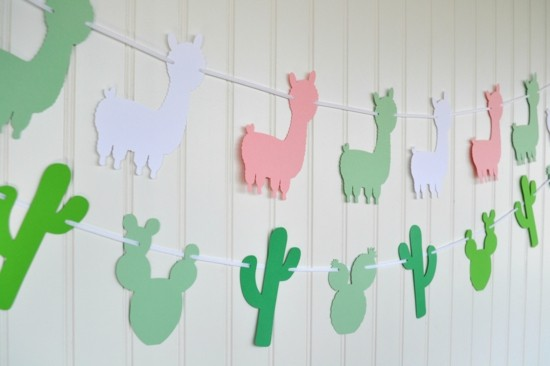 Make your own birthday decoration from paper