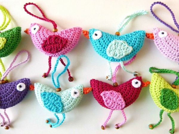 deco ideas easter colored hen crochet
