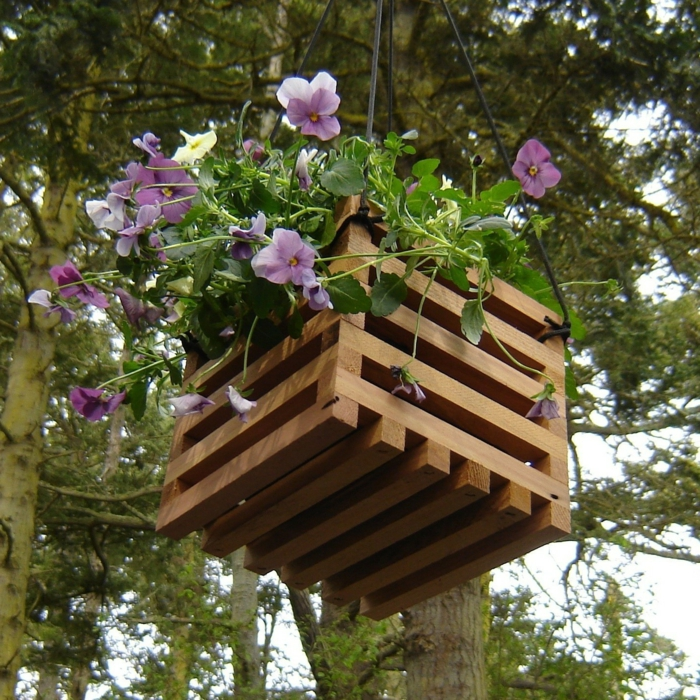 garden decoration ideas plant container reused wood
