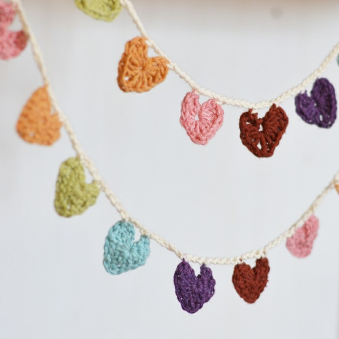 valentines day ideas deco garland sewing hearts colored