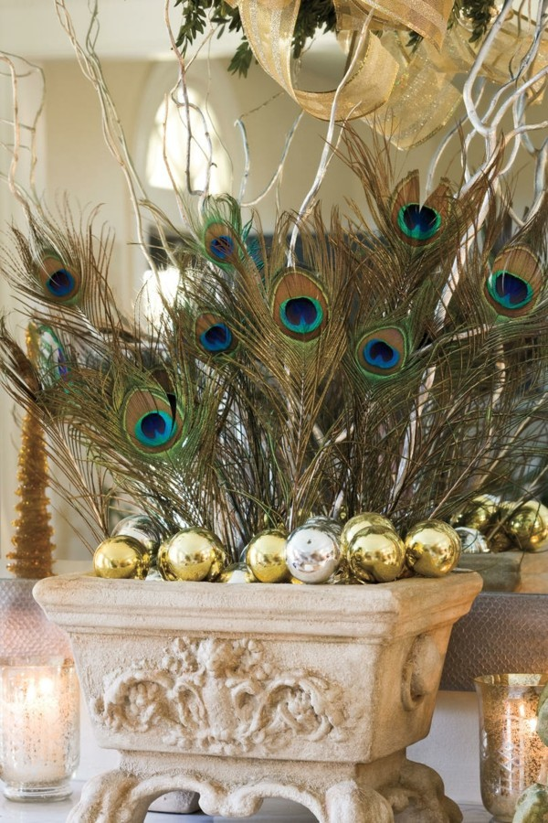 DIY Christmas decoration with fir tree willows us feathers