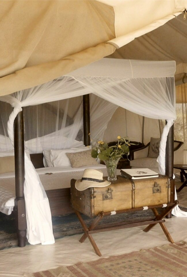 africa decor bedroom set up in the african style