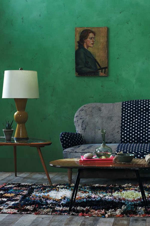 furnishing with trend color emerald green