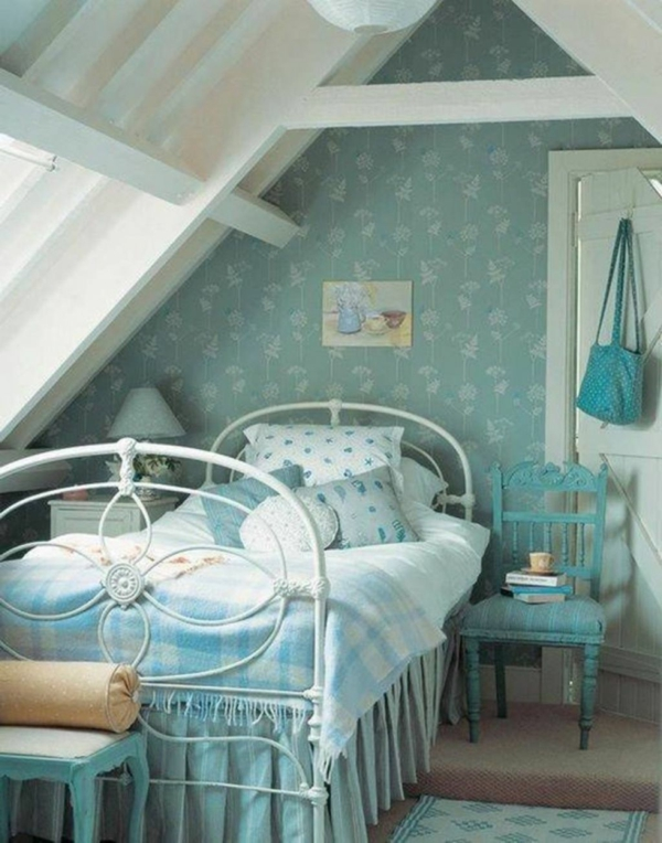 Decorate children's room with a favorite color