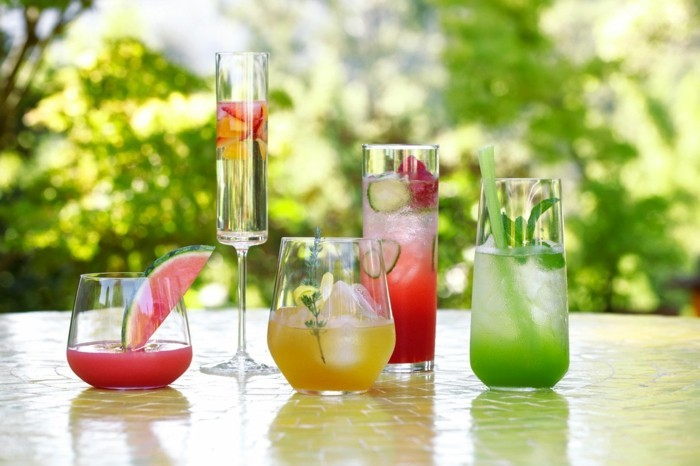 Cocktails refresh in the summer