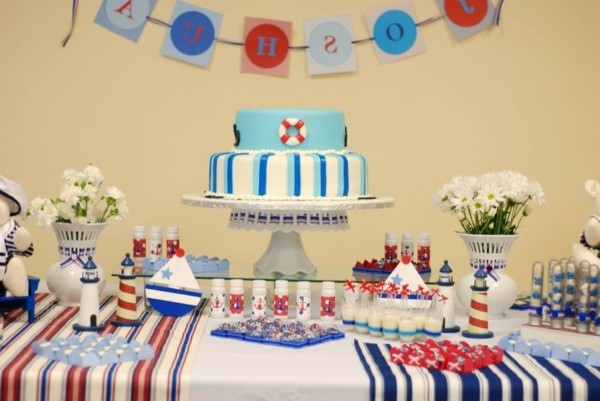 Simple Birthday Cake Table Decoration Ideas from decosolitions.com