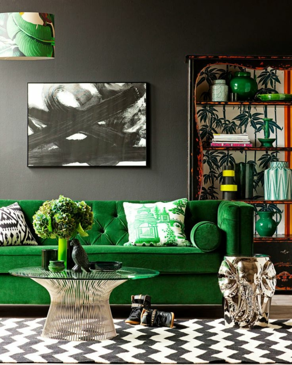emerald green color in the living room