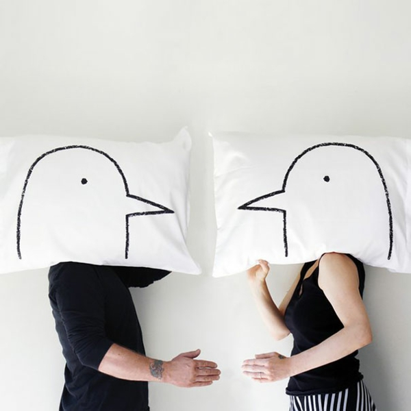 Creative-Pillow-and-pillow-birds