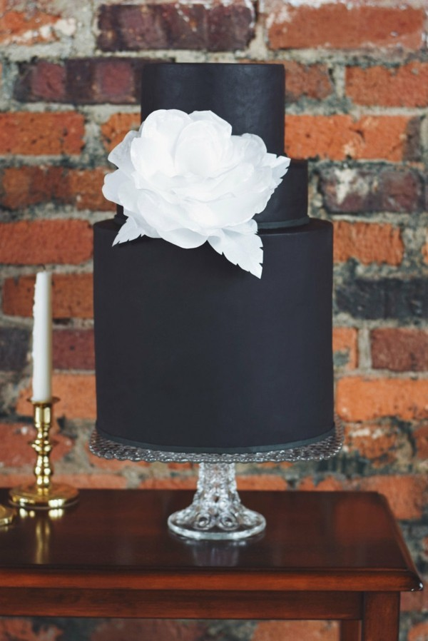 Wedding cakes rustic background