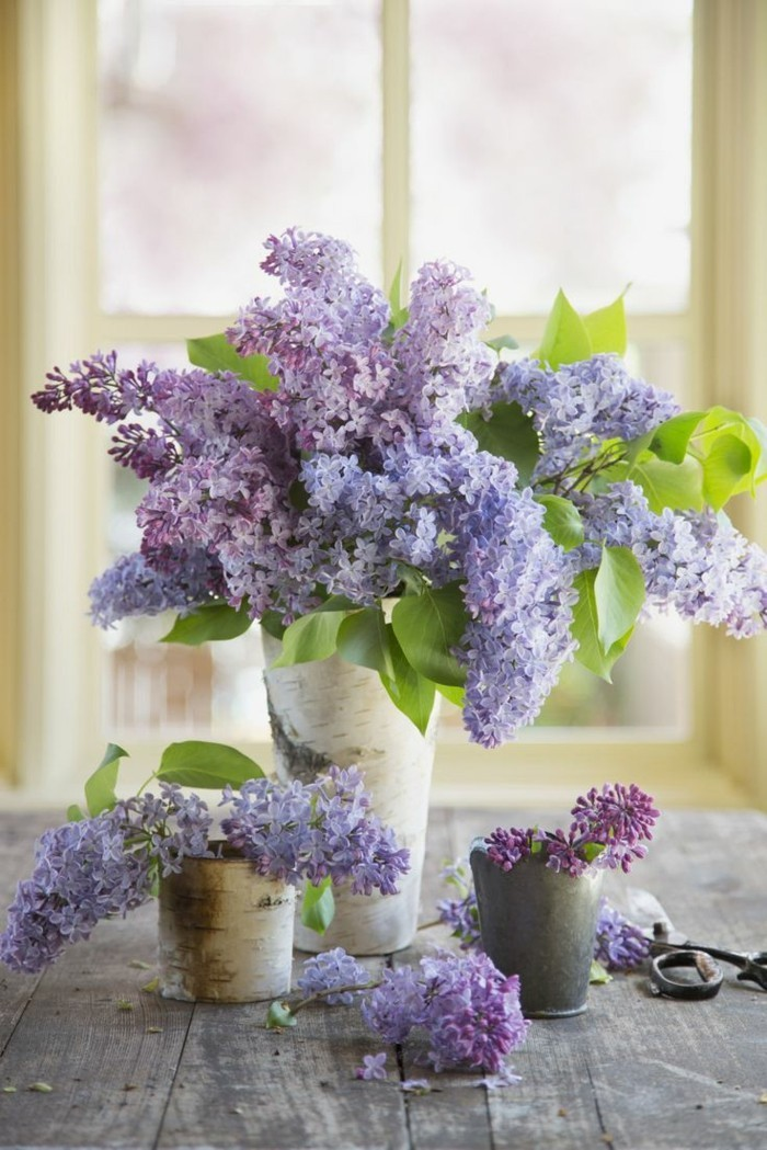 a fragrant table decoration with lilac