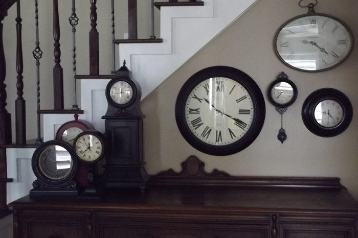 decoration vintage clocks wall