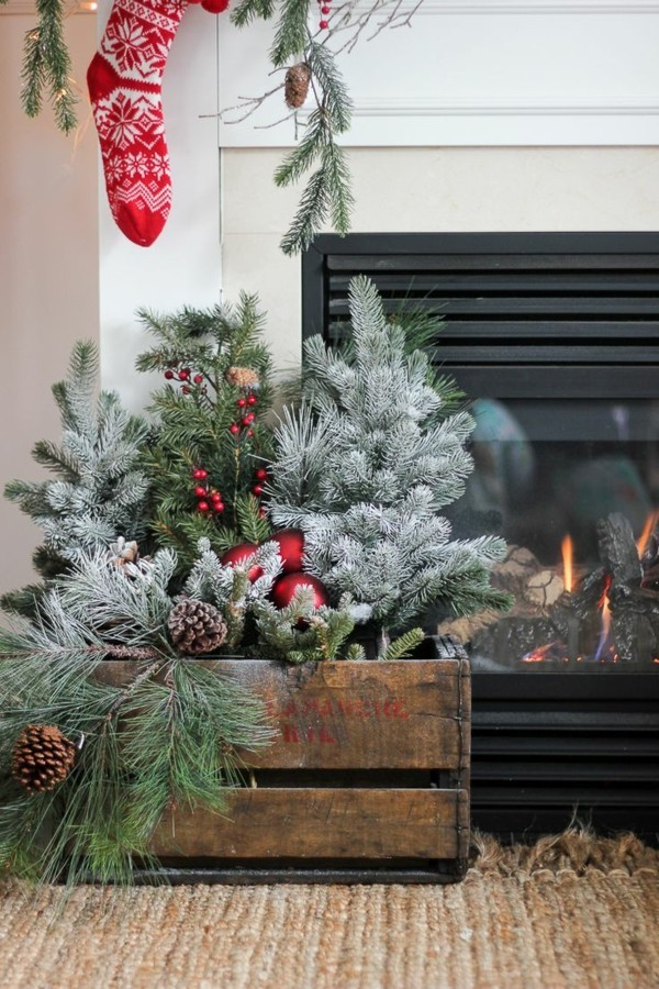 DIY Christmas decoration in front of the fireplace
