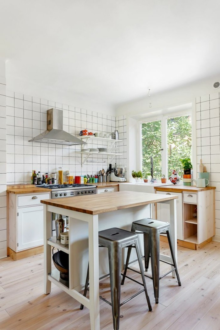 Kitchen island with open form