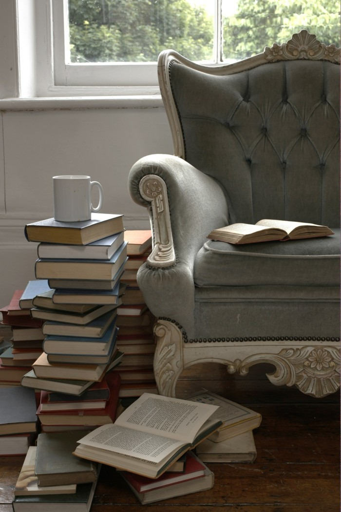 Flat decorating deco ideas with books for the modern living room