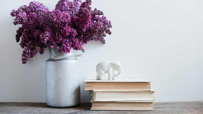 cut lilac and provide more color at home