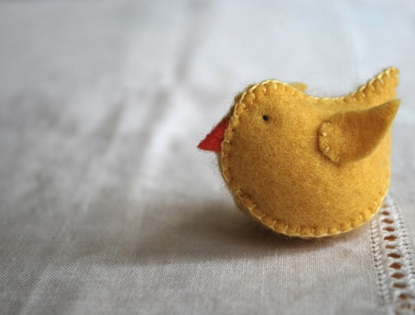decorate easter yellow chick sew