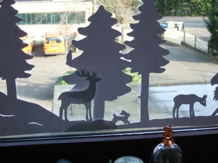 Making window pictures with children overlapping