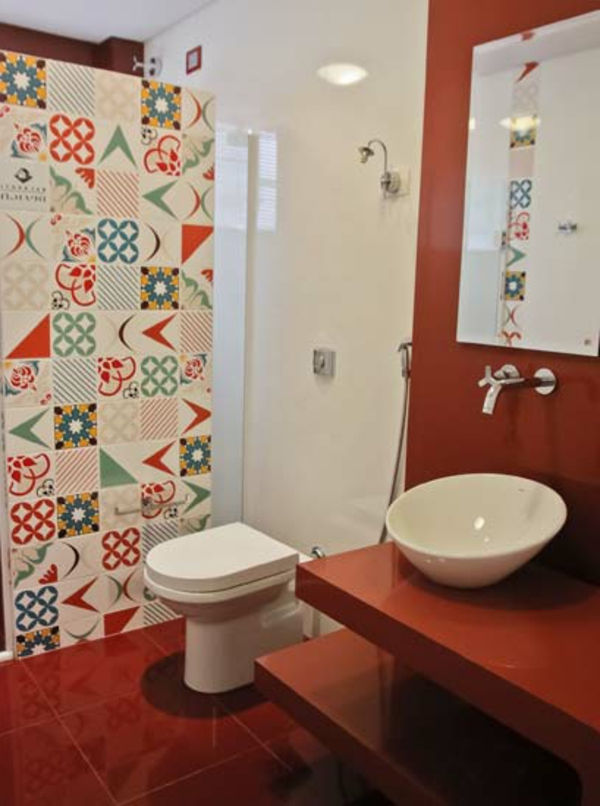small bathroom red accent wall