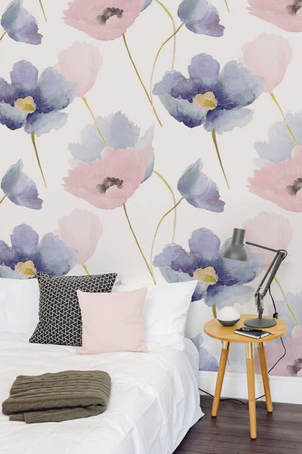 floral wallpaper in the bedroom